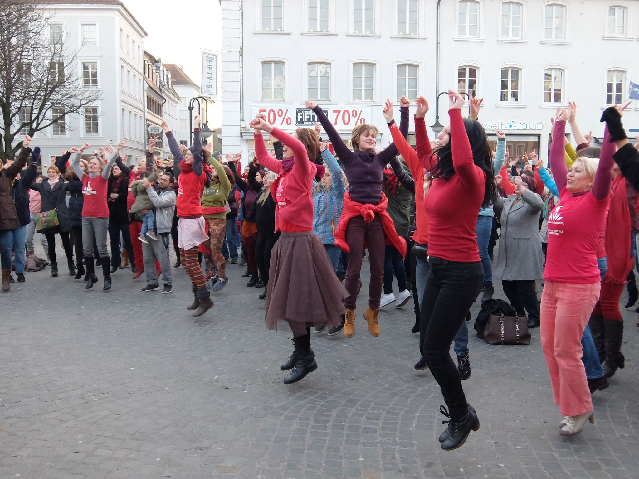 Internationaler Tanzflashmob One Billion Rising (OBR)